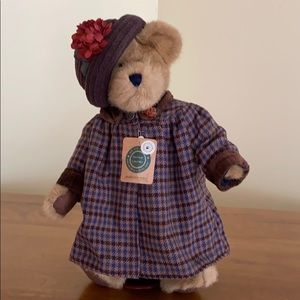 Boyds Bear The Archive Collection with Stand